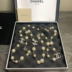 Chanel Classic Pearl 5 CC Logo Dual Sided Crystal
